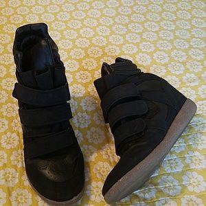 Sneaker heals